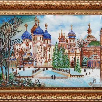 Картина вышитая бисером на холсте, оформлена в багетную раму