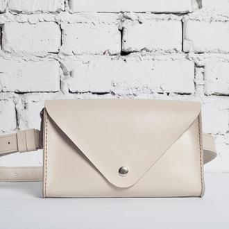 Женская сумка Envelope на пояс из глянцевой кожи