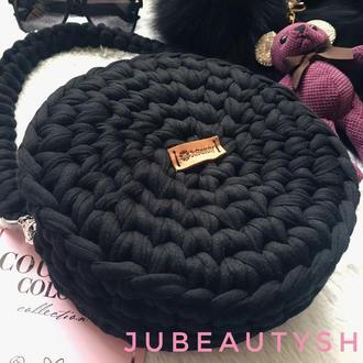 Чёрная сумка из трикотажной пряжи