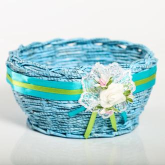 Плетеная  корзинка из бумажной лозы для конфет или фруктов