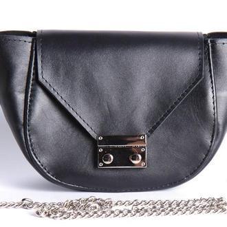 Стильная кожаная сумка на цепочке
