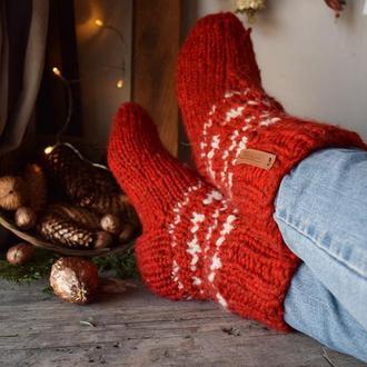Червоні вовняні шкарпетки