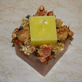 Свеча куб с сухоцветами
