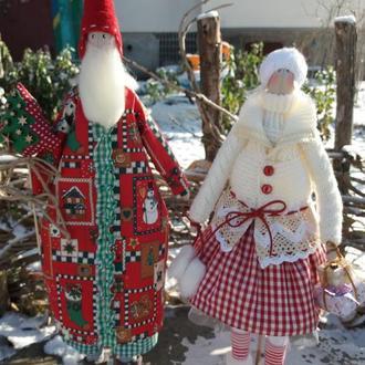 Санта с помощницей