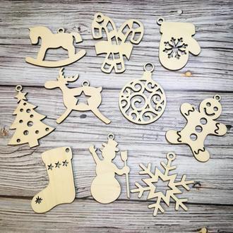 Новогодний набор деревянных игрушек