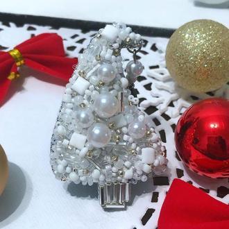 Брошь с бисера Новогодняя Веселая Ёлка