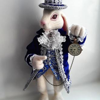 Белый кролик. Алиса в стране чудес.
