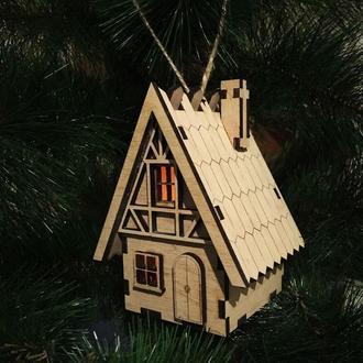 Рождественский домик с острой крышей - светильник