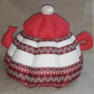 Грелка для чайника из вышитой ткани