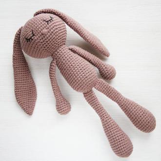 Подарунок для новонародженого хлопчика чи дівчинки в'язана іграшка зайчик