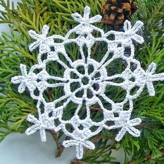 Елочное украшение - снежинка
