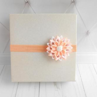 Нежная персиковая повязка для малышки Цветочное украшение канзаши Подарок для девочки на годик