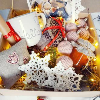 Новогодняя коробка. Подарок.