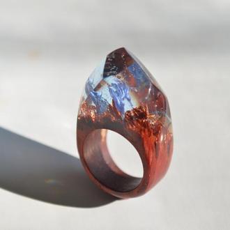 Кольцо с цветами, кольцо из дерева и смолы, подарок для девушки
