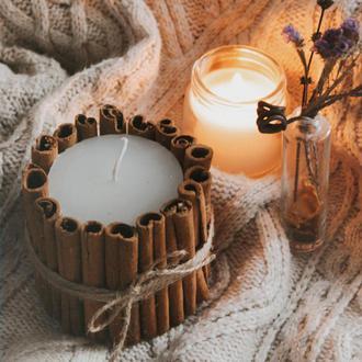 Свеча декоративная с корицей