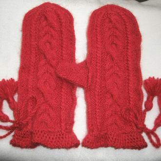 Варежки красные из альпаки. Размер: M-L