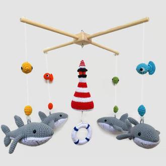 Вязаный мобиль Акулы и маяк