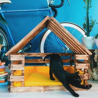 Будиночки та лежаки для тварин