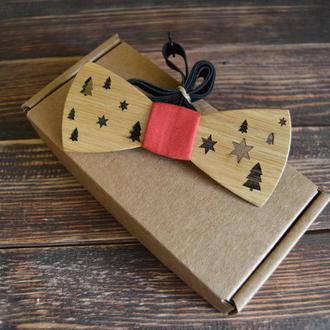 Деревянная галстук-бабочка Новогодний стандарт красная ткань