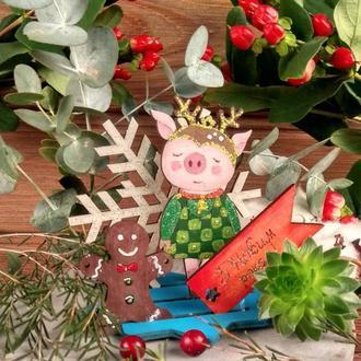 Композиція з розфарбованих дерев'яних іграшок Свинка + магніт новорічний 2019 Олень