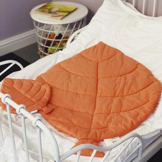 Маленькое покрывало одеяло -лист, плед, коврик для игр. Коврик - листик для детской
