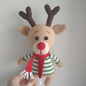 Вязаная игрушка новогодний олень
