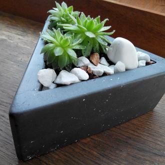 Треугольный горшок, кашпо для кактусов, подарок на 8 марта, подарок для мамы, подарок для подруги
