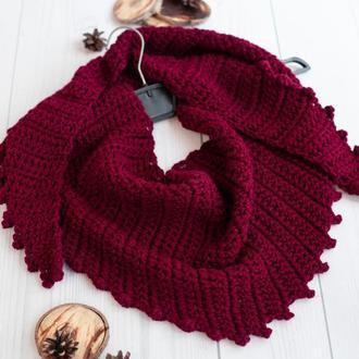 Вязаный бактус шарф крупной вязки бордовый, марсала, винный цвет, треугольный шарф косынка