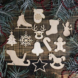 Набор игрушек на ёлку из дерева