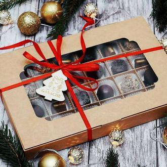 Новогодняя коробка на 24 шоколадных конфеты