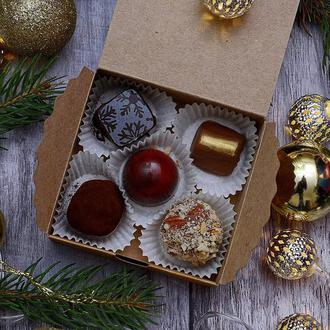 Новогодняя коробка на 5 шоколадных конфет