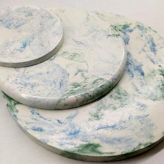 набор подставок под горячее из бетона - белый, с синим и зеленым