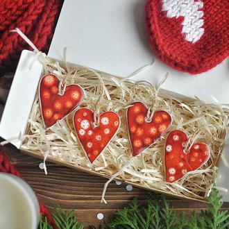 Набор из 4 подвесок сердечек
