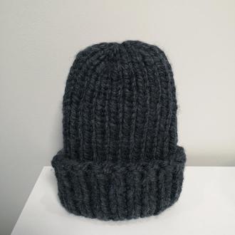 зимняя теплая серая шапка из крупной пряжи меринос шерсть мериноса от Bregoli design