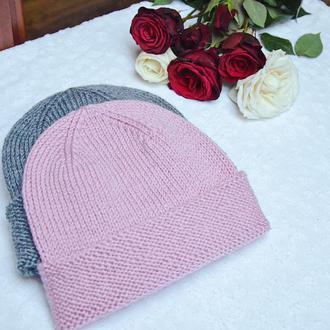 Жіноча шапка біні