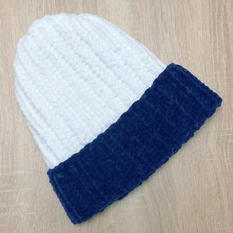 Шапка белая с синим велюр