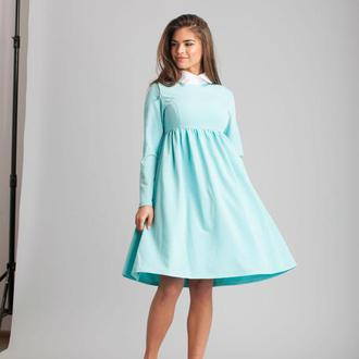 Голубое платье с воротником
