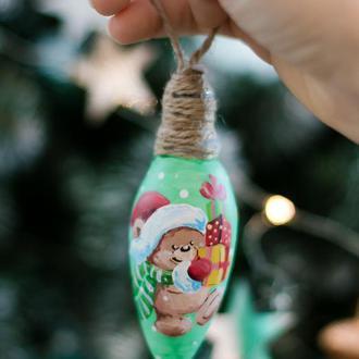 "игрушка на елку ""Мишка с подарочками"""