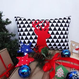 Декоративная новогодняя подушка, подарок на новый год, подушка с оленем, подушка геометрия