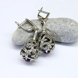 Объемные и ажурные серьги Маракасы из серебра с аметистами