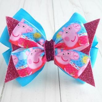 Красивый бантик с Свинкой Пеппой на резинке Украшение для волос Подарок девочке на день рождение