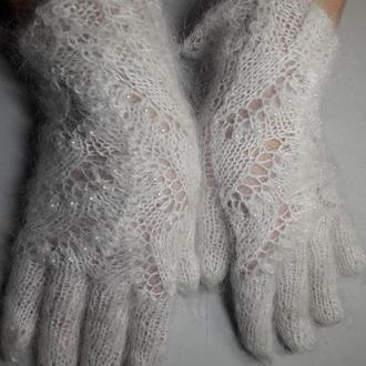 """Перчатки ажурные из белого козьего пуха с бусинами """"Снежный жемчуг"""""""