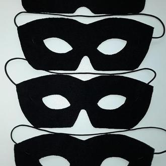 Kарнавальная маскарадная черная мужская маска типа Зорро.