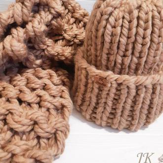 Комплект шапка и шарф из шерстяной пряжи