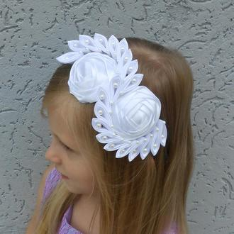Нарядный ободок на голову Белый обруч для девочки Украшение на фотосессию Подарок на день рождение