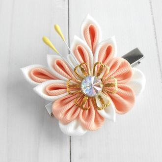 Нежная заколка с бабочкой Украшение для волос Подарок девочке на день рождение Зажим канзаши
