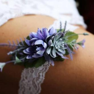 Свадебная подвязка на ногу фиолетовая
