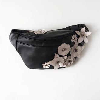 Стильная сумка на пояс с цветами ,бананка кожаная , поясная сумка с апликацией