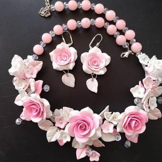 Колье и серьги с розами