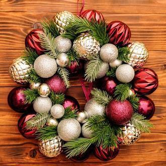 венок из елочных шаров. новогодний венок